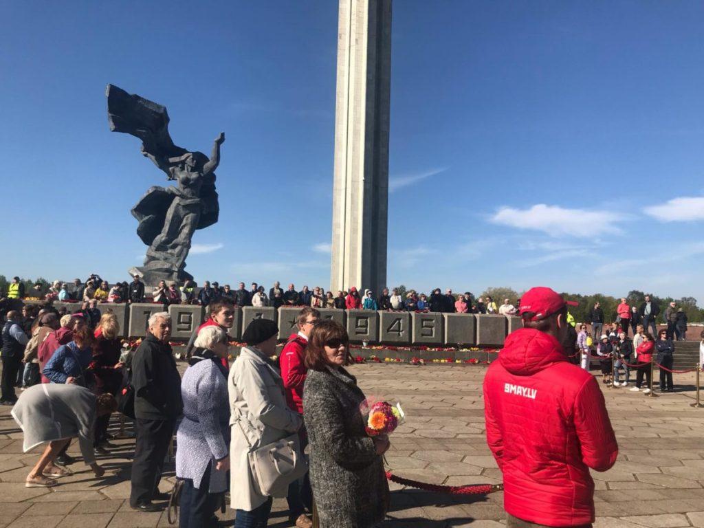 Пунтулис об отмечающих 9 мая: победа над фашизмом — единственная их гордость | Mixnews