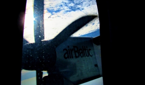 КОРОТКО О ГЛАВНОМ: минималка в 500 евро, ЧП с airBaltic, труп скинули с балкона, последний танец Мэй