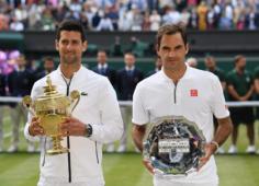 Тарелка Федерера, жующий траву Джокович и седые спортсмены: соцсети обсуждают финал Уимблдона