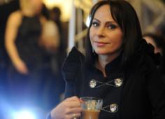 Марина Хлебникова о переломе позвоночника: даже по квартире передвигаться не могла