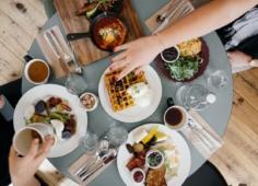 Хорошая привычка — завтракать каждую неделю сновым человеком