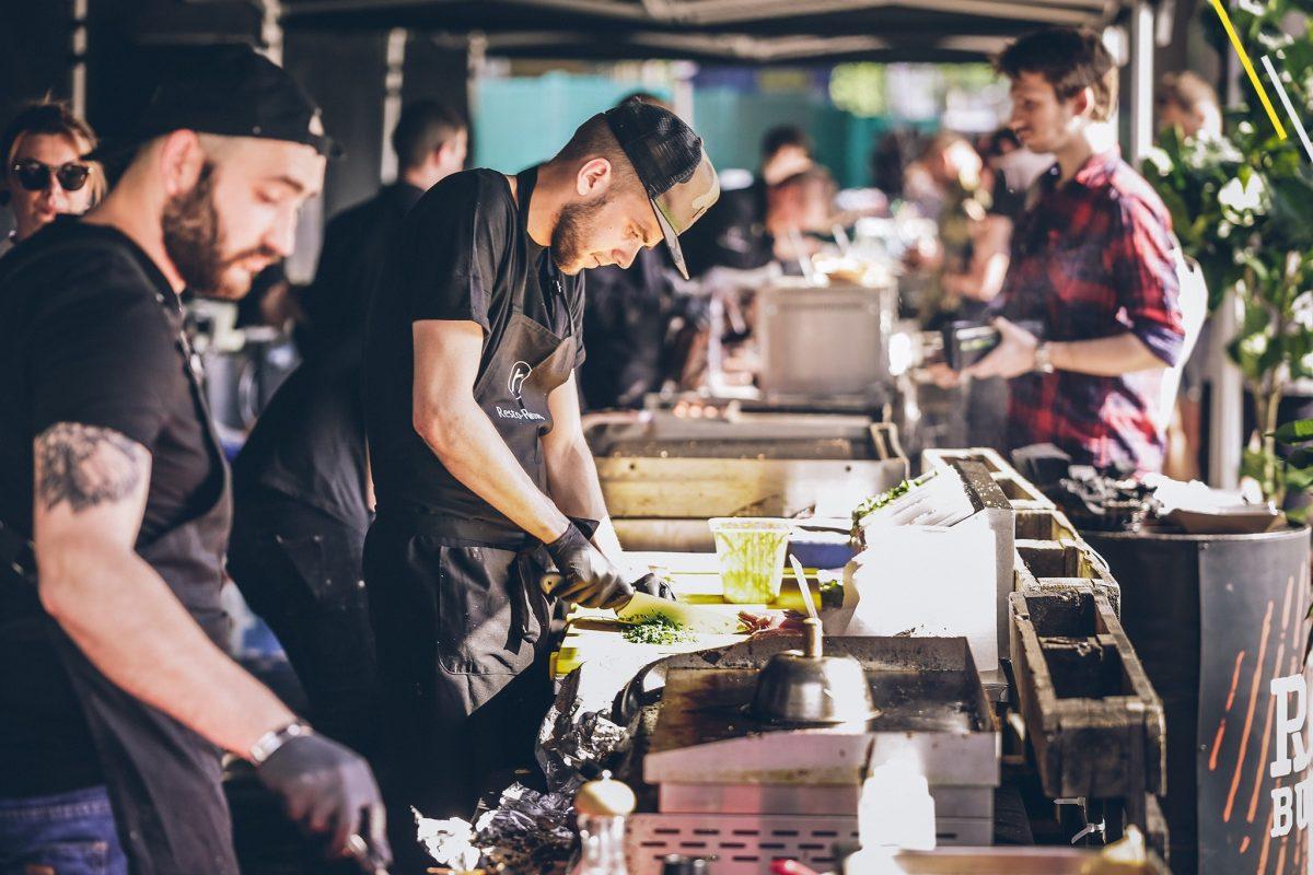 Стрит-фуд: Где в Риге поесть уличной еды?