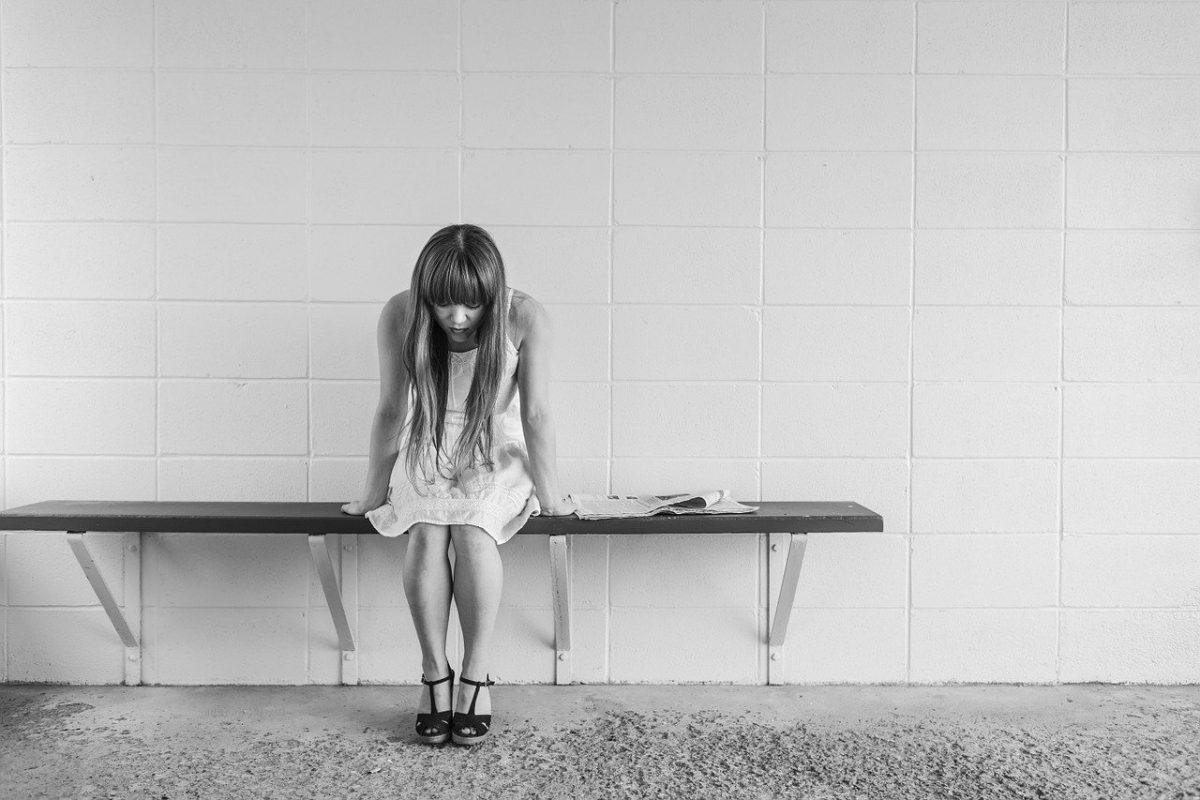 Самокритика, тревожность, недоверие – признаки того, что вы выросли в токсичной семье