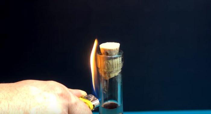 Как открыть вино при помощи одной зажигалки? Легко!( Пошаговая инструкция)