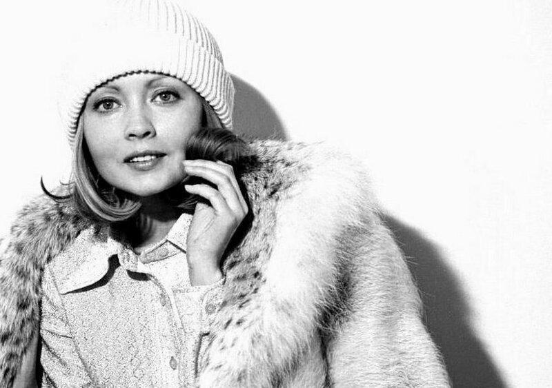 Она была мечтой миллионов мужчин: как в наши дни живет одна из самых красивых актрис советского кино