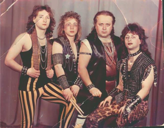 А ведь реально кумиры чьей-то молодости! 25 странных фото рок-групп!