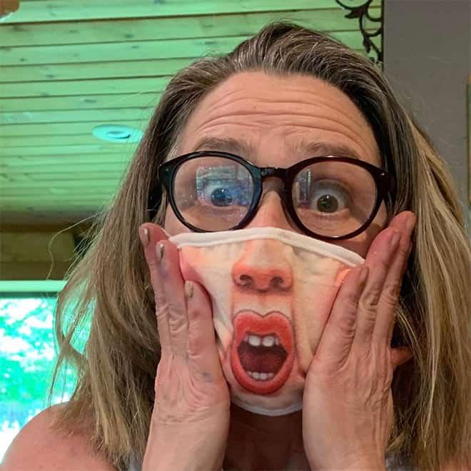 https://mixnews.lv/wp-content/uploads/2020/07/14/2020-07-14-mixnews-funny-covid-masks1.jpg