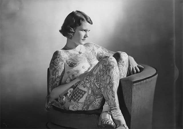 Самая татуированная женщина 20-о века