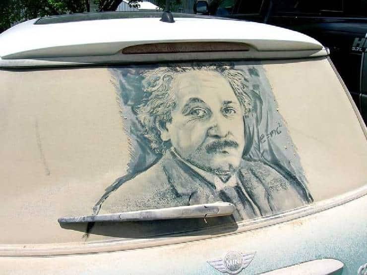Рисунки на грязных машинах… так хороши, что мыть не хочется!
