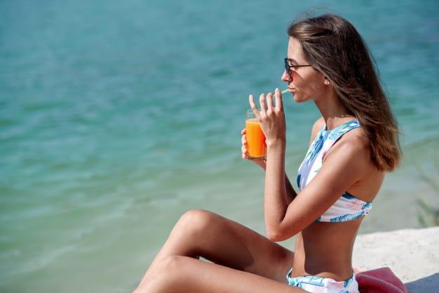 Девять недорогих продуктов, помогающих защитить вашу кожу от солнца