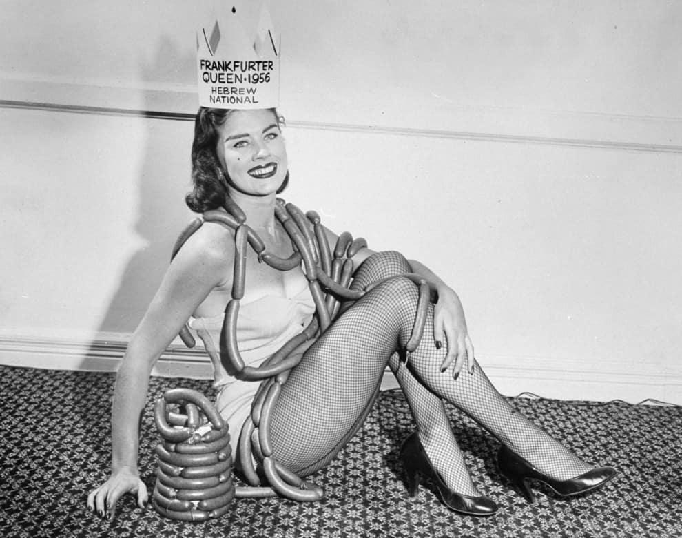 Королева сосисок,  Королева пончиков и еще 20 прекрасных девушек с невероятными титулами