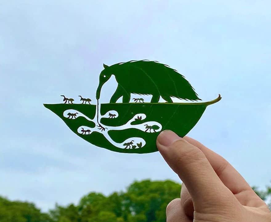 Японский художник создает эти удивительные виньетки из простых листьев