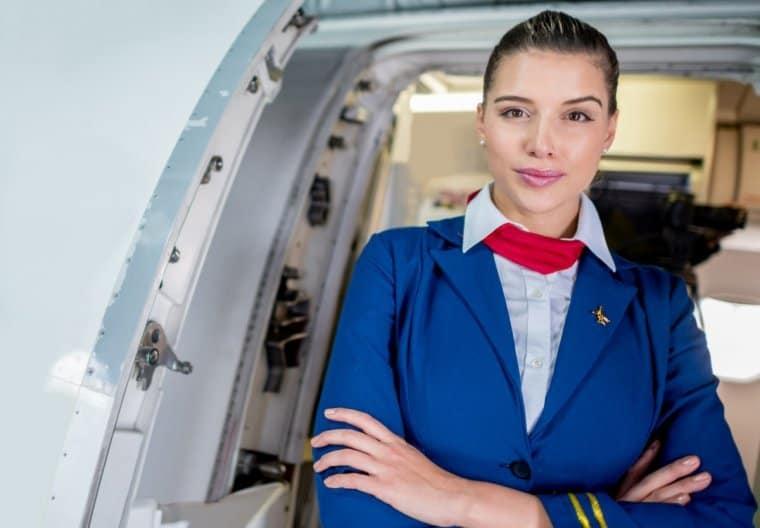 Первым делом, первым делом- стюардессы: очаровательные бортпроводницы, заставляющие скучать по перелетам еще больше