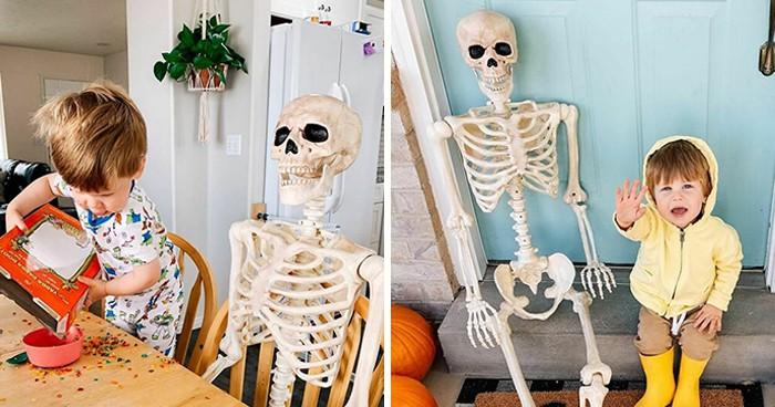 Как двухлетний малыш со скелетом подружился и сделал его любимой игрушкой!
