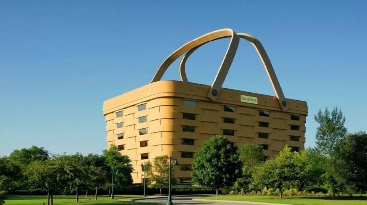 Гитара, пончик, сумочка – здания самой необычной формы, где фантазия архитектора разгулялась не на шутку