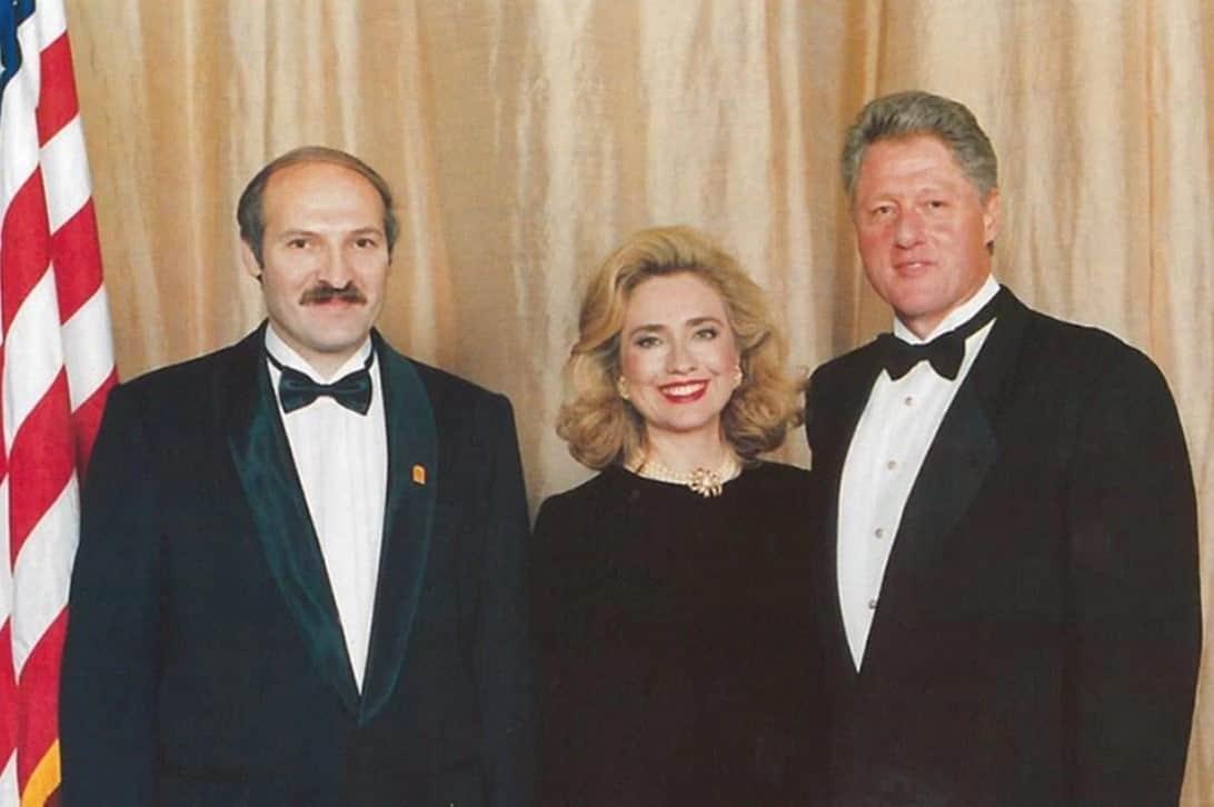 Невозможно хорошенькая Памела Андерсон, Джонни Депп и советская жвачка в подборке уникальных исторических фотографий