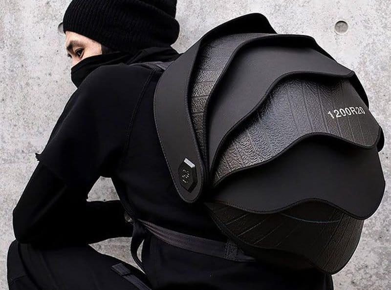 """Невероятно прочный рюкзак с """"чешуей"""" из переработанных шин"""