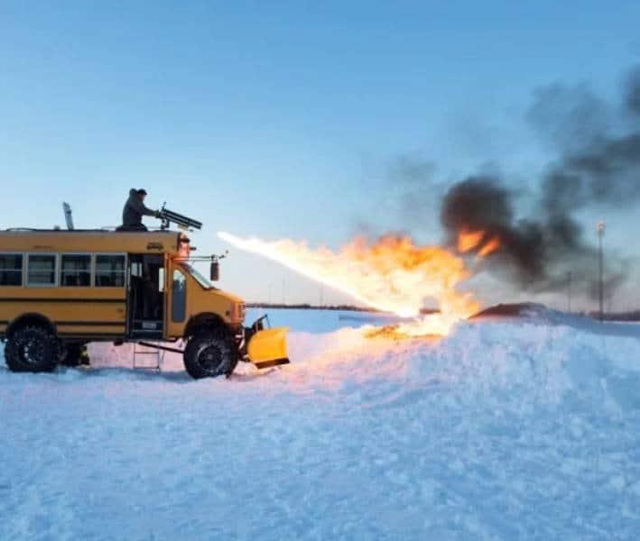 Креативный снегоуборочный транспорт перед которым не устроит ни один сугроб (31 фото)