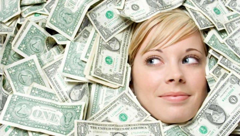 Названы 4 женских знака зодиака, которые выберут богатство, а не любовь