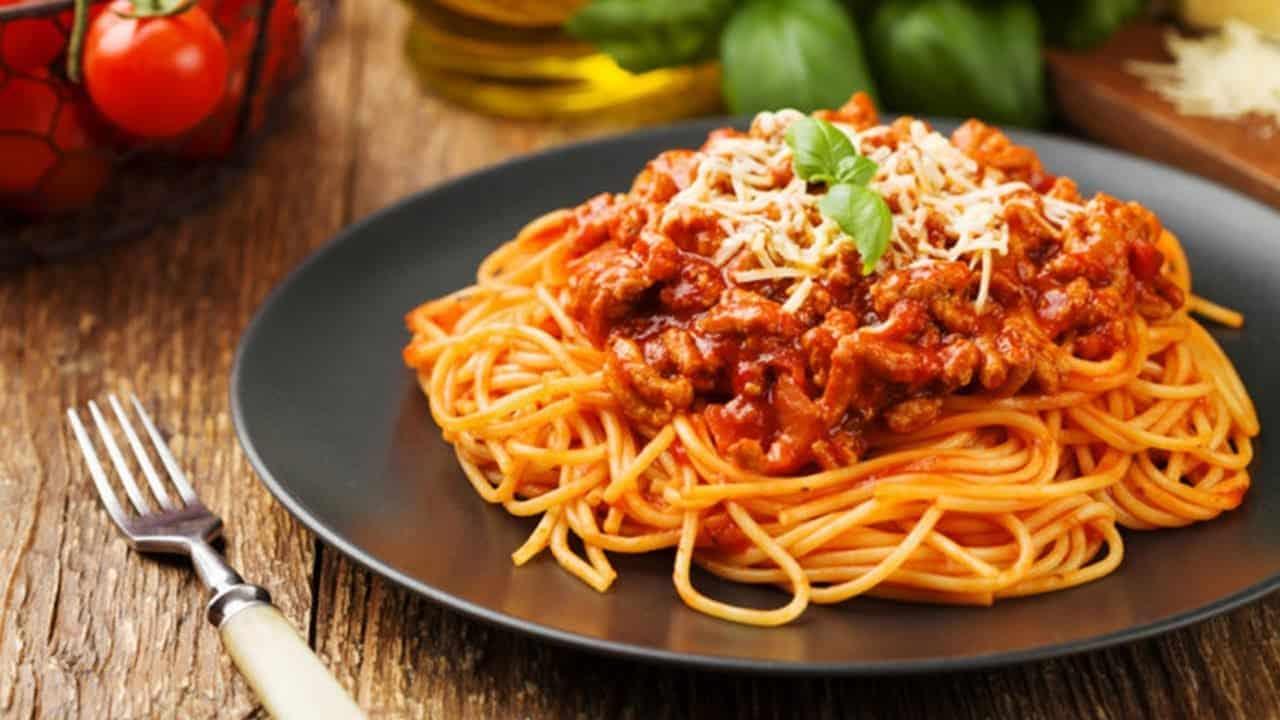 Любите спагетти - болоньезе? Даже мясоедам понравится этот веганский рецепт