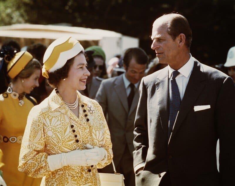 Принц Филипп и Елизавета Вторая - королевская история любви длиной в 87 лет