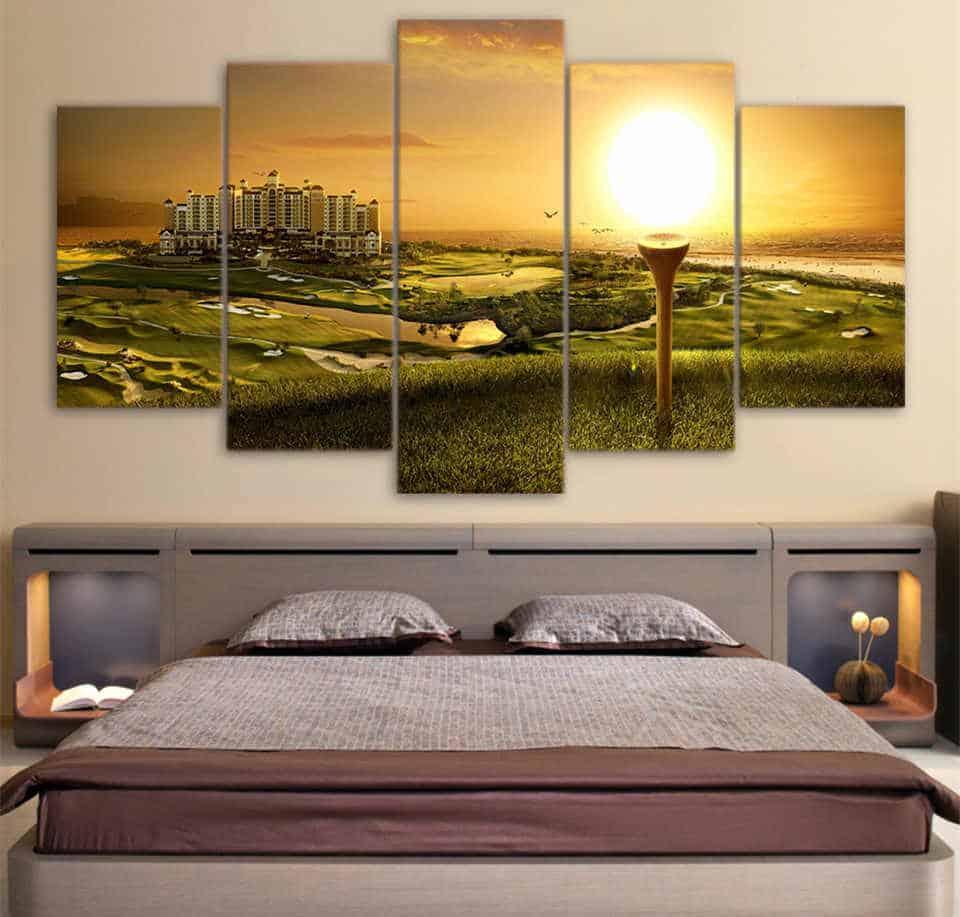 Картины для спальни, как важный элемент дизайна: новинки, объяснения, примеры