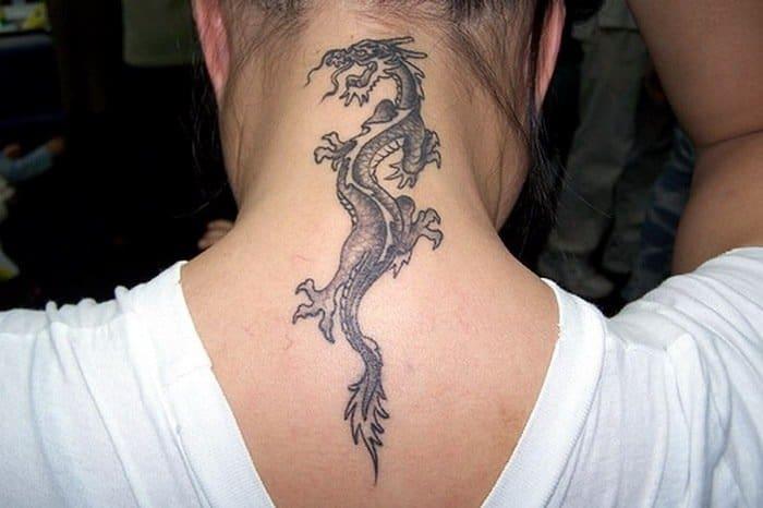 Девушка с татуировкой дракона и другие примеры для тех, кто подумывает о тату на шее