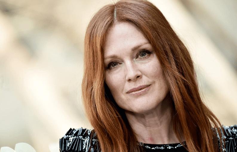 5 вещей, которые делает Джулианна Мур, чтобы выглядеть на 30 в 60