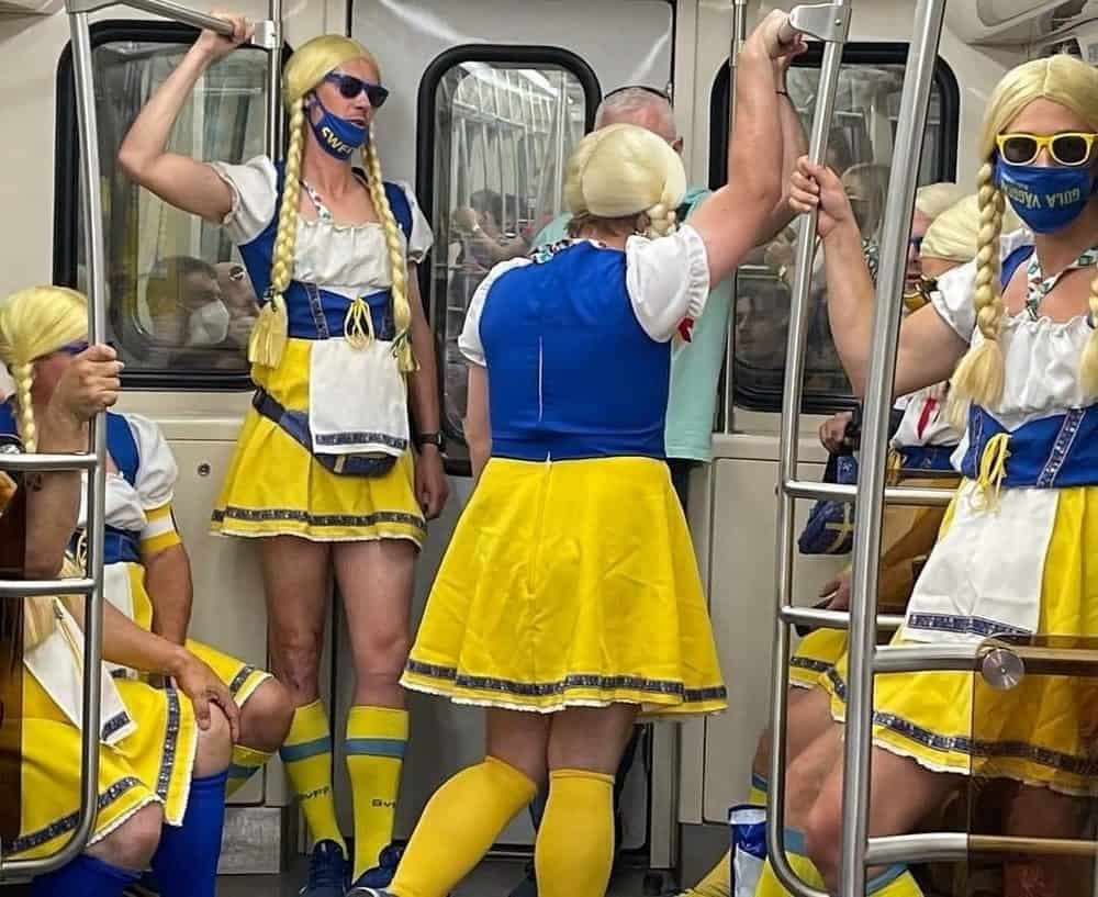 20 чудаковатых пассажиров метро, глядя на которых непонятно куда ты попал, то ли в ад, то ли в сказку