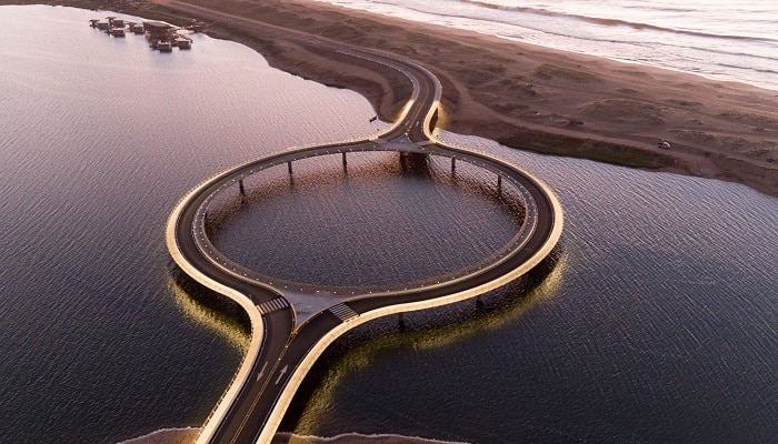 Зачем в Уругвае построили круглый мост за 12 млн, хотя можно было прямой и дешевле