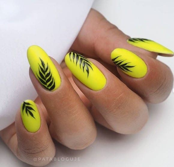 Лето на ногтях: желтый маникюр и его примеры