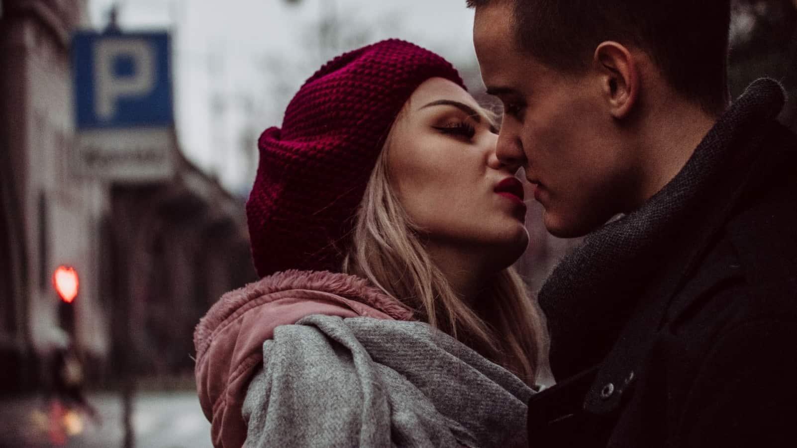 Kiss me: 5 знаков Зодиака, которые лучше всех целуются