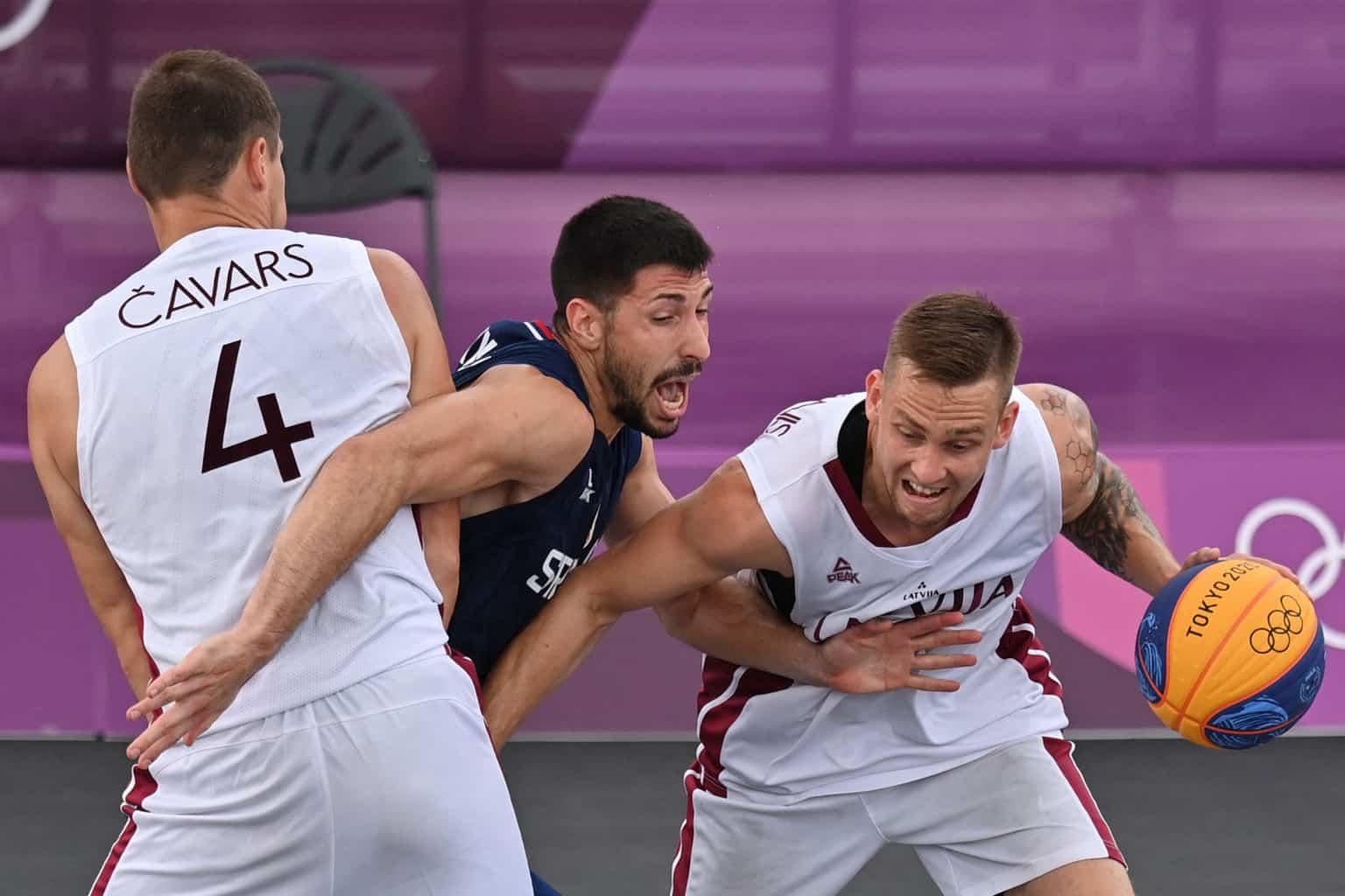 Команда Латвии по баскетболу 3×3 потерпела второе поражение на Олимпиаде