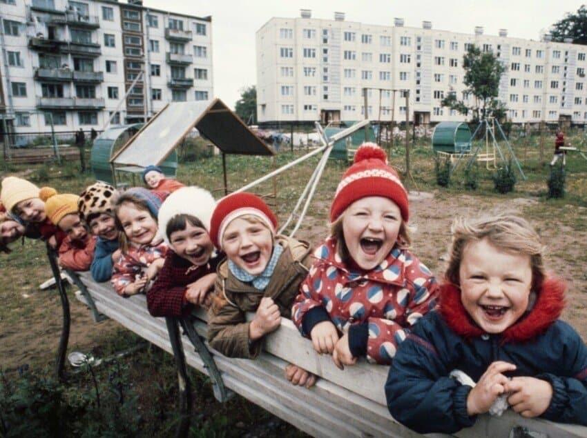 Пока домой не загнали: Вспомним советские дворы, из которых детвора не хотела уходить