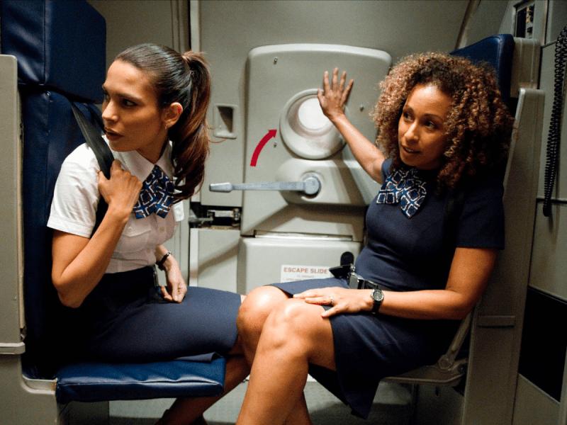 Пристегните ремни: откровения стюардессы о специфике работы, тайных сигналах и самых противных пассажирах