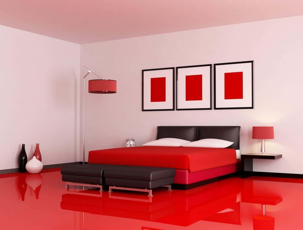 Для тех, кто не боится красных спален: какая мебель с ней сочетается, какое подобрать освещение и другие советы в фотографиях