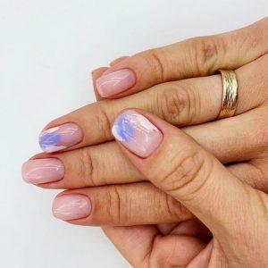 Примеры розово-голубого маникюра, после которых вам захочется назначить встречу со своим нейл-мастером