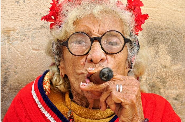 Скажите ваш знак зодиака, а мы скажем, какой вы бабушкой будете в старости!