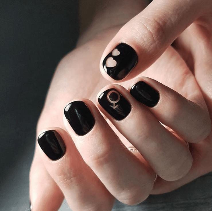 Черный маникюр: красиво, практично, модно