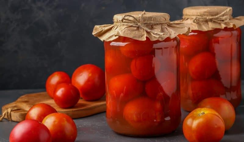7 вкусных рецептов, как засолить и замариновать помидоры