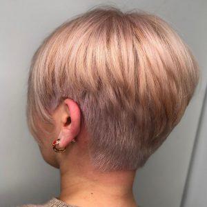 Варианты стильных стрижек с челкой, которые идеально подходят женщинам около 50